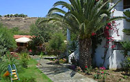 Holiday Rooms, Hotels and Apartments in Kea Island, Cyclades, Holidays in Greek Islands Greece