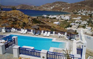 Rita's Place Hotel, Ios Island, cyclades, with swimming pool, close to the beach