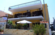 Greece, North Greece, Macedonia, Halkidiki, Neos Marmaras, Sithonia, Apartments House Mistral, close to the beach