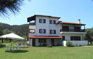 Greece, North Greece, Macedonia, Halkidiki, Vourvourou, Apartments Fillis House, close to the beach